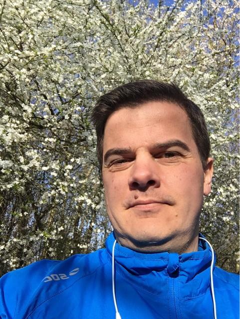Löpning i en härlig vär dag